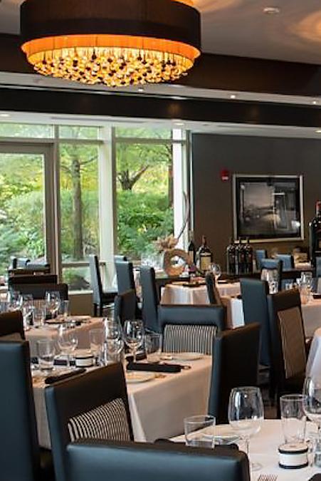 Morton's Restaurant - 222 Broadway